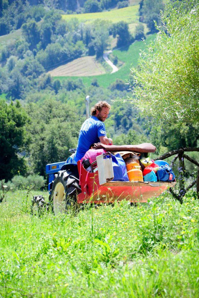Villa-Valente-impressie-Ron-op-de-tractor
